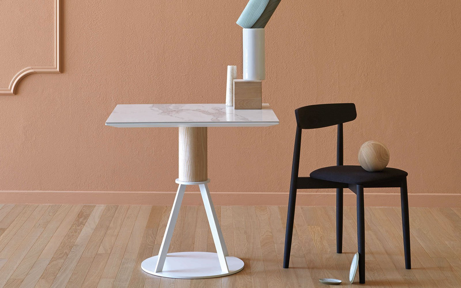 Geronimo modern bistro table miniform
