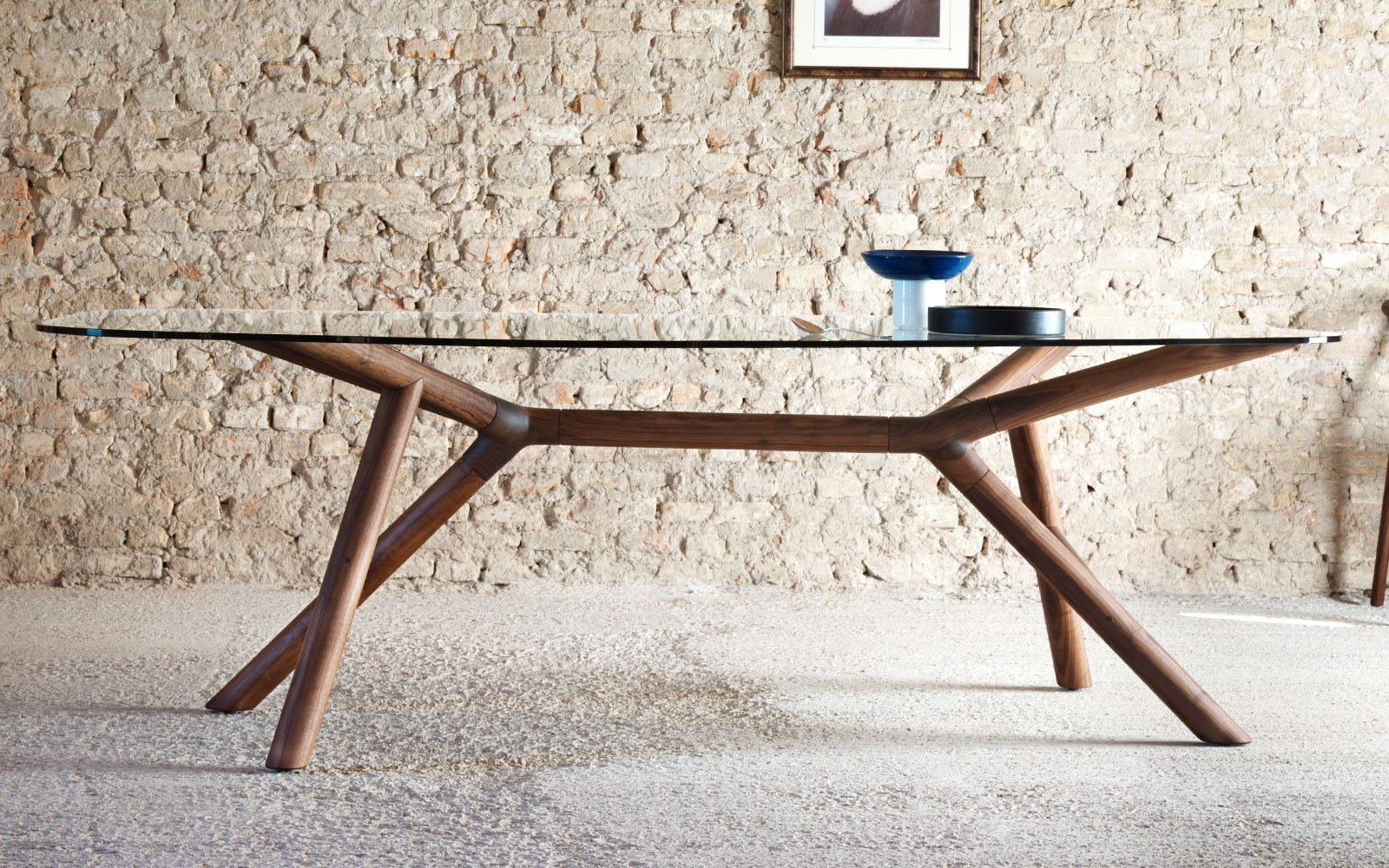Otto-Contemporary-Dining-Table-with-glass-top