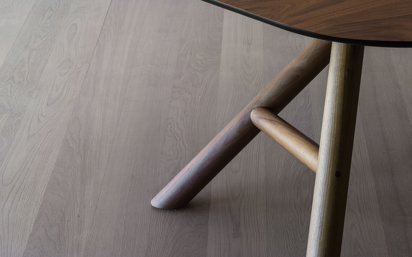 Otto-Contemporary-Dining-Tablewith-wooden-legs