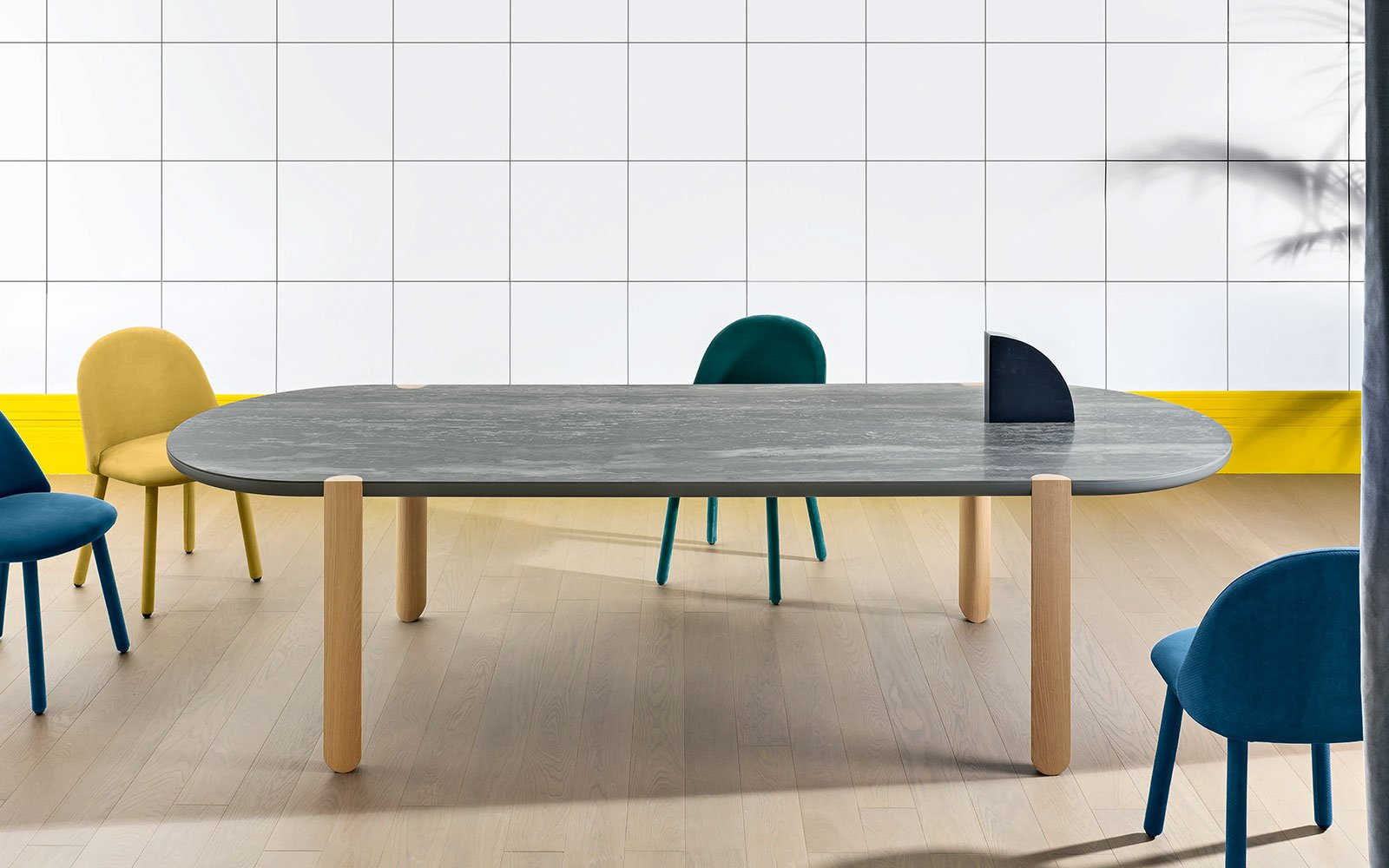 Ovo-Dining-Table-with-ceramic-top