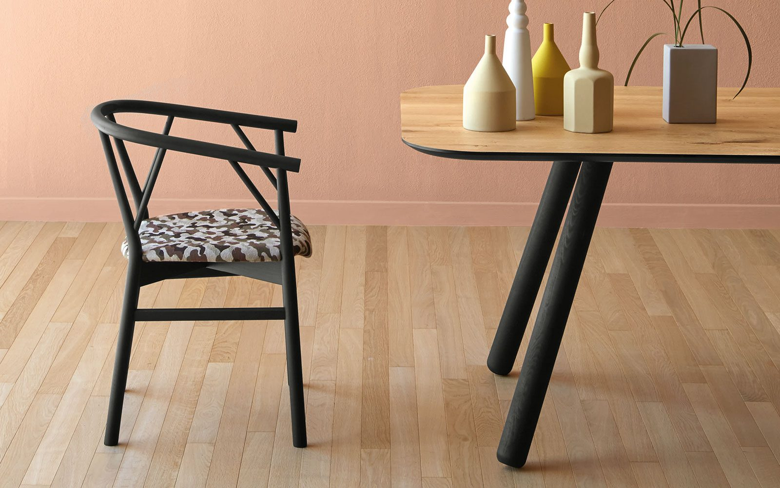 Pixie-Table-with-Angled-Legs-with-black-legs