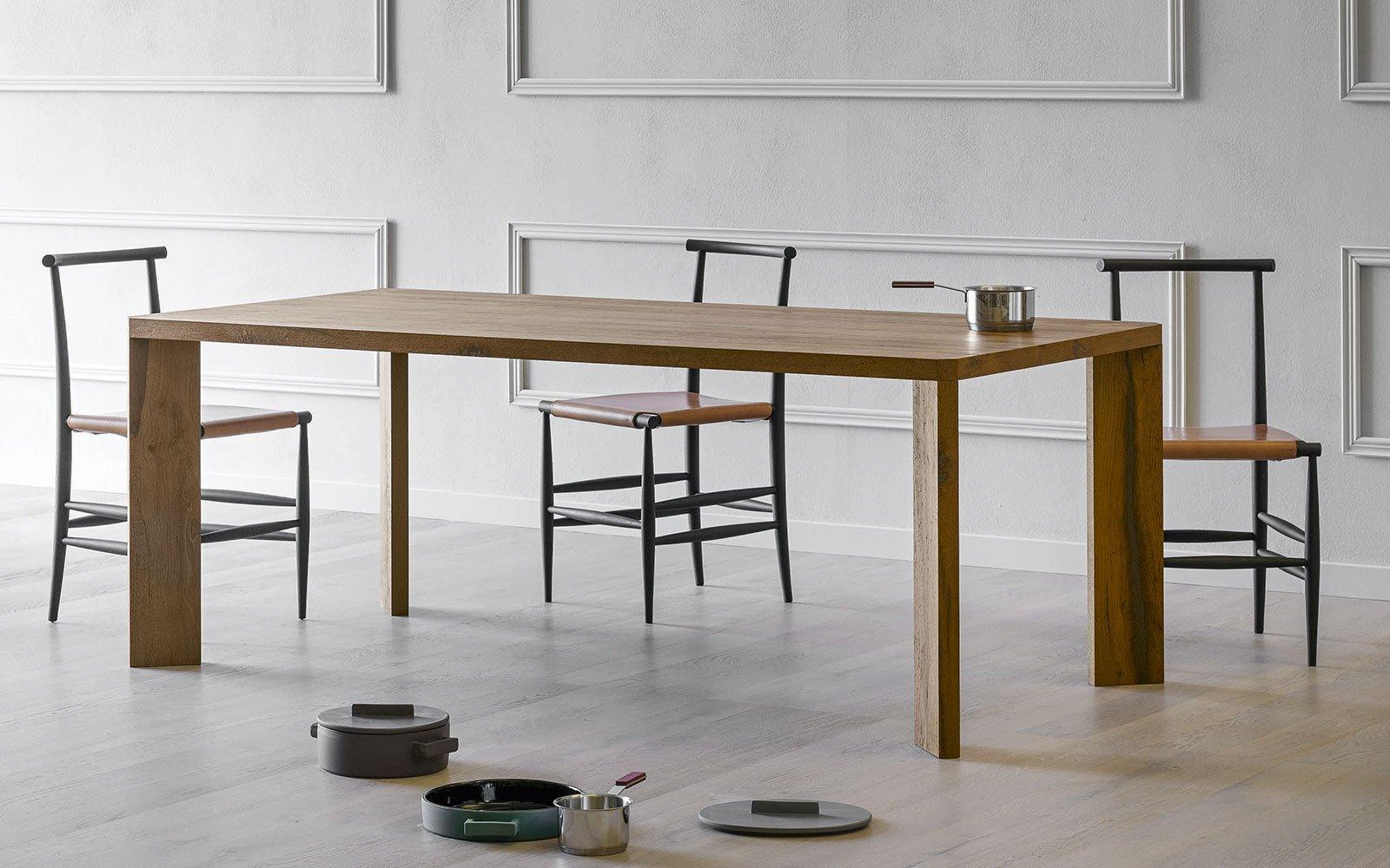 Manero modern dining table