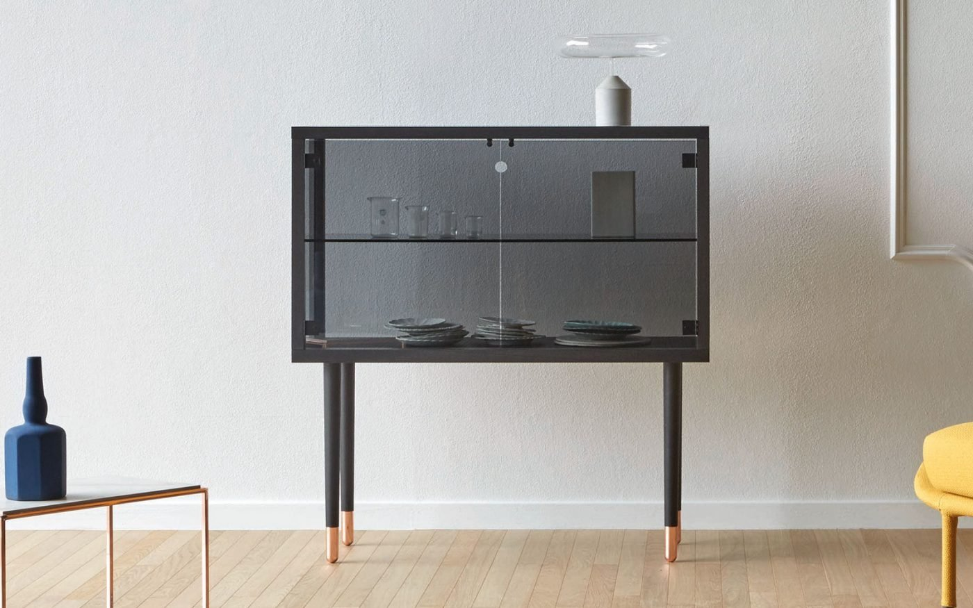 juno-glass-display-unit